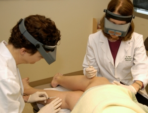 Leg spider vein treatment: Dr. Irwin performs sclerotherapy to treat leg veins