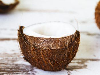 Is coconut oil a good skin moisturizer?