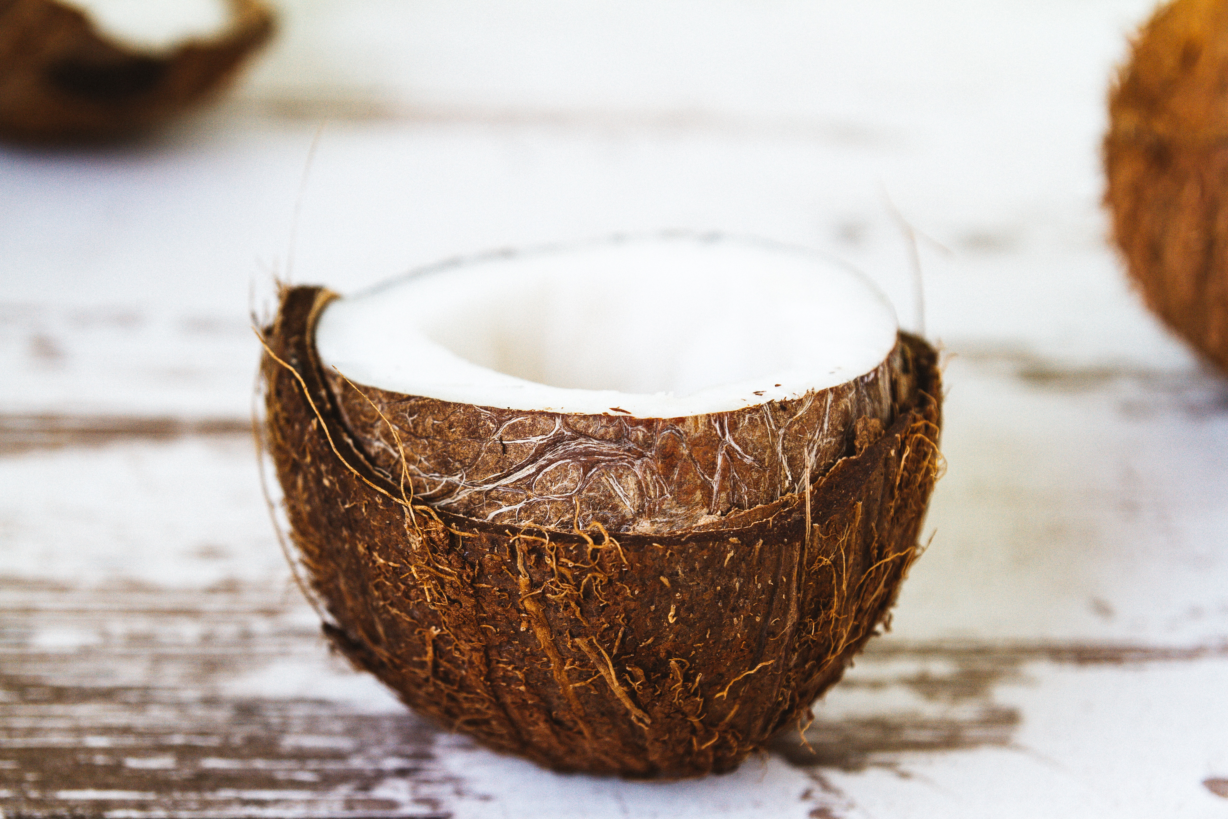 Is coconut oil a good skin moisturizer?
